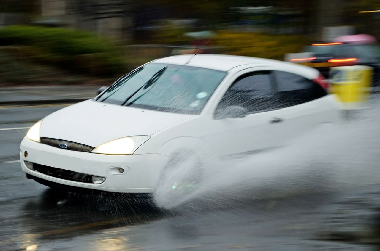 Was kostet Bremsbeläge wechseln vorne und hinten?